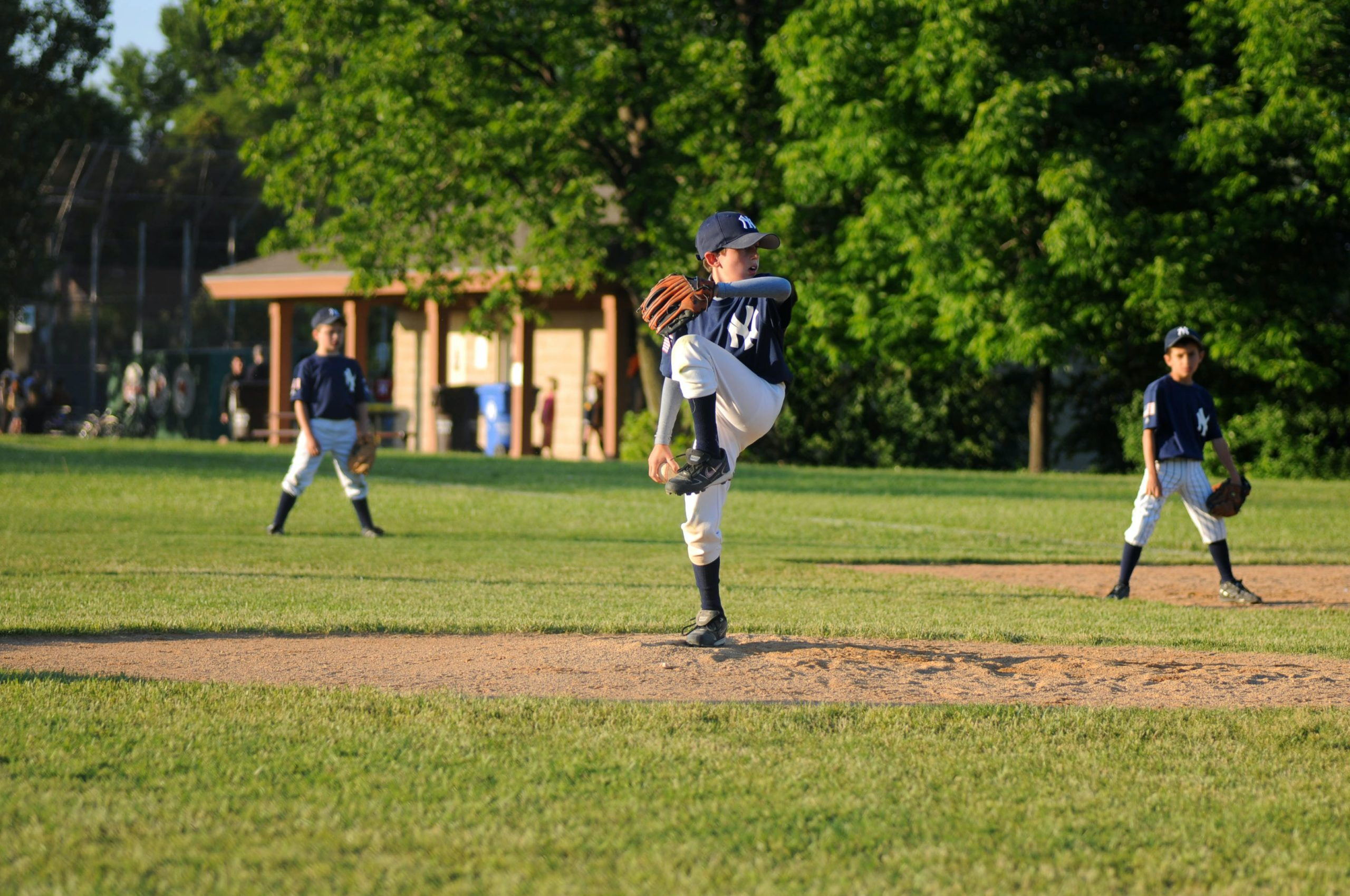 Youth Pitching Position Myth: Wide Stance